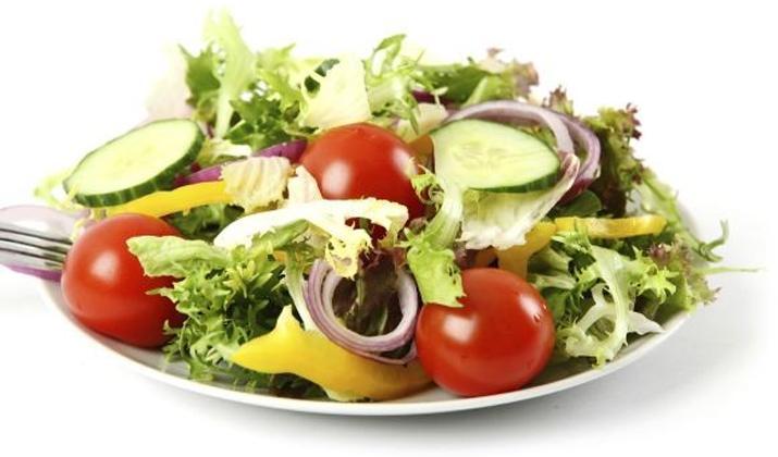 Овощной пикантный салат